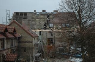 Das Dach wird abgedeckt