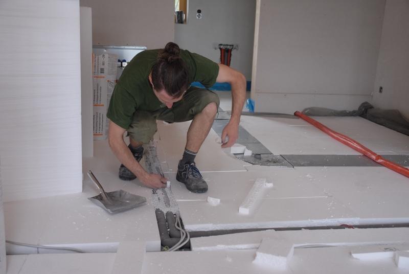 Fußboden Isolierung Verlegen ~ Dämmung unter estrich richtig verlegen estrich u fussbodenaufbau